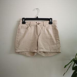 2/$10 Khaki Shorts 🏌️